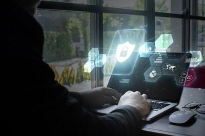Tentativa de ataque hacker ao TSE não viola segurança das urnas